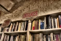 * Librería Tipos Infames: Libros y vinos (Madrid) *