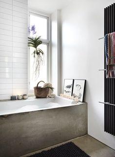 concrete tub/enclosure