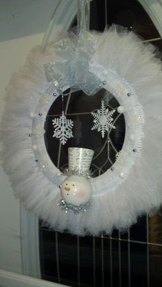 Winter wreath out of tulle