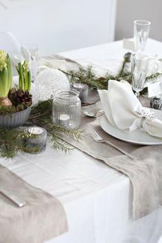 Decora tu mesa estas navidades en un estilo natural