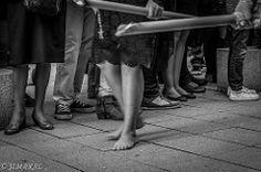 JIMARAL (72 of 111).JPG (JIMARAL) Tags: woman feet easter pie mujer candles candle granada barefoot rosario rosary procession velas semanasanta procesin cirio procesiones descalza