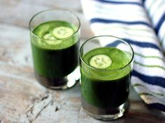 Healthy drink: Green detox juice - The Times of India Blood Pressure Diet, Blood Pressure Remedies, Juice Smoothie, Smoothies, Kale Juice, Cucumber Juice, Smoothie Recipes, Easy Healthy Recipes, Healthy Drinks