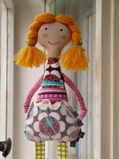 bábika - organizér na sponky, gumky a čelenky do vlasov