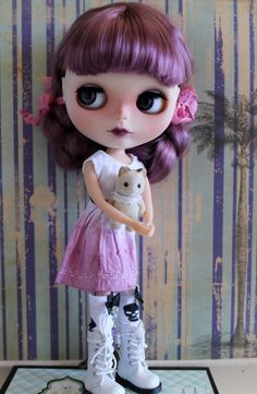Violet a OOAK custom factory blythe doll by bearsbywillowdesigns
