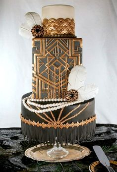 Art Deco cake - Beautiful! MIDDLE of the cake