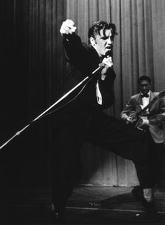 Ernest Elvis Presley During a 1956 Performance in Los Angeles, CA, 1956 - Motion Pictures and Television Photo Archive - Artists - Jackson Fine Art - Photography - Atlanta Lisa Marie Presley, Priscilla Presley, Musica Elvis Presley, Rock And Roll, Scotty Moore, Elvis Presley Pictures, Elvis In Concert, Young Elvis, Tupelo Mississippi