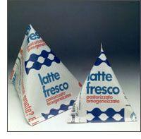 Latte in brick tetraedrico, Centrale del latte di Milano anni 70/80. A un certo punto c'erano anche le mini piramidi con la pannina da mettere nel caffè...