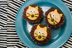 Lion Cupcakes + How-To Video