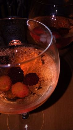 Party Drinks Alcohol, Fancy Drinks, Yummy Drinks, Alcoholic Drinks, Yummy Food, Alcohol Aesthetic, Aesthetic Food, Food Snapchat, Coffee Drinks