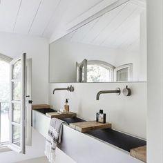 modern monochromatic bathroom