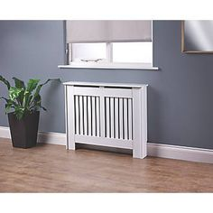 Order online at Screwfix.com. Ideal for concealing old or unfashionable radiators. Allows extra surface space for display and protects against accidental burns. Suitable for radiators up to: W x D x H: 925 x 99 x 757mm. FREE next day delivery available, free collection in 5 minutes.