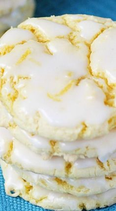 I can't wait to try making these Easy Lemon Cookies with Lemon Glaze. Desserts Easy Lemon Cookies with Lemon Glaze Cake Mix Recipes, Easy Cookie Recipes, Baking Recipes, Dessert Recipes, Frosting Recipes, Breakfast Recipes, Lemon Cookies Easy, Yummy Cookies, Cheese Cookies