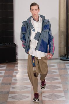 Menswear Spring 2018 Valentino