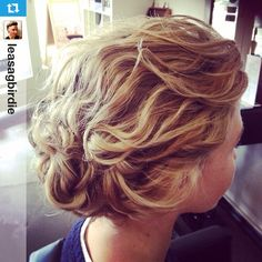 """#Repost from @leasagbirdie with @repostapp --- My #hairup of the day. Looks like #adayatthebeach. I spritzed the hair with @unite_hair beach day and rough…"""