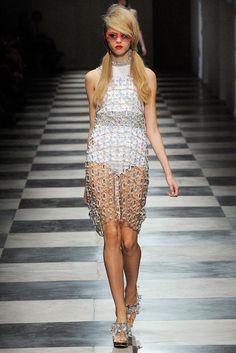 Prada Spring 2010 Ready-to-Wear Fashion Show - Lindsey Wixson