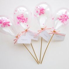 Tiny Balloons w/ confetti! Cute for party favors, new years, center pieces, kids. Diy Party, Party Favors, Party Shop, Party Ideas, Party Hats, Deco Baby Shower, Mini Balloons, Happy Birthday, Birthday Parties