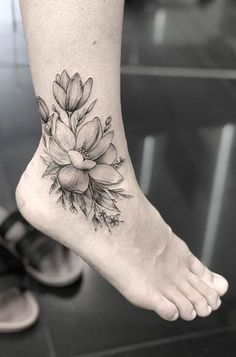Vintage Wild Flower Foot Tattoo Ideas for Women - Beautiful Delicate Tat - www.MyBodiArt.com #tattoos