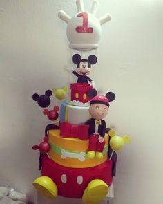 :) Mickey bolo  Gostaram pessoal? #mickey #cake #bolofake #festamickey