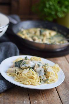 Pasta mit Spinat-Haehnchen-Parmesan-Sauce - Chicken Parmesan Spinach Pasta (6)