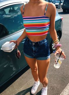 Hot pants Outfits for Perfect Summer Ideas Trends Hot Pants Outfits für perfekte Sommerideen This image has get. Cute Summer Outfits, Spring Outfits, Trendy Outfits, Tumblr Summer Outfits, Outfit Ideas Summer, Vintage Summer Outfits, Beach Outfits, Casual Summer, Short Outfits