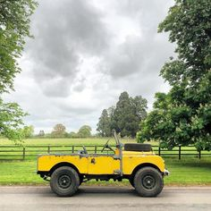 This is a ray of sunshine on a cloudy day. This is a ray of sunshine on a cloudy day. Offroad, Toy Trucks, Monster Trucks, Jeep Scout, Suv 4x4, Volkswagen, Range Rover Classic, Range Rover Sport, Cloudy Day