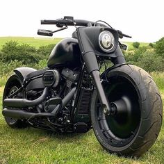 Would you ride this beast? Hd Fatboy, Harley Fatboy, Harley Davidson Fatboy, Harley Bikes, Harley Davidson Motorcycles, 883 Harley, Custom Choppers, Custom Harleys, Custom Motorcycles