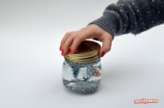 MollyMoo – crafts for kids and their parents Christmas Crafts - How To Make A Snow Globe Christmas Crafts For Kids To Make, Holidays With Kids, Homemade Christmas, All Things Christmas, Kids Christmas, Holiday Crafts, Xmas, Frozen Disney, Olaf Frozen