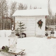 Shed/Chicken coop Winter Cabin, Winter Love, Winter White, Christmas Porch, Country Christmas, White Christmas, Merry Christmas, Xmas Photos, Winter Beauty