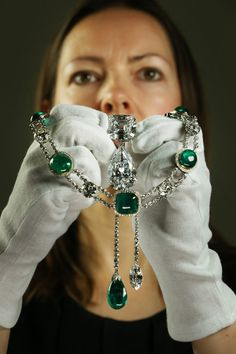Made From The World's Largest Diamond - I do love a good emerald...