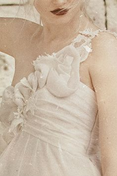Eleni Kollarou / Wedding dress detail