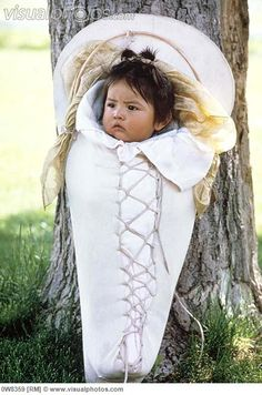 Shoshone (First Nations) baby Native American Children, Native American Pictures, Native American Artwork, Native American Quotes, Native American Beadwork, American Indian Art, Native American Tribes, Native American History, American Indians