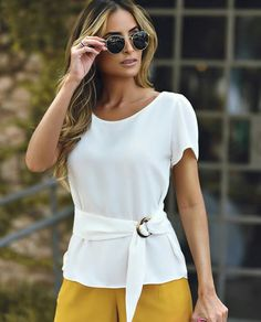 {New Collection} Details! Cute Blouses, Blouses For Women, Blouse Styles, Blouse Designs, Mode Outfits, Casual Outfits, Kleidung Design, Sewing Blouses, Fashion Dresses
