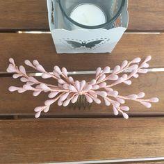 Un favorito personal de mi tienda Etsy https://www.etsy.com/es/listing/476149150/peineta-de-pistilos-color-rosa
