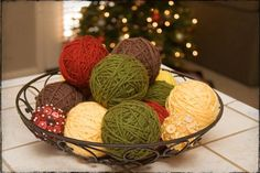 Turn your balls of yarn into works of art. We love this still life yarn basket!