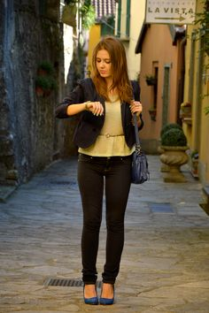Spring I'm ready! http://ellysafashion.wordpress.com/2014/03/19/spring-im-ready/ #fashion #modadonna #moda #ootd #outfit #jeans #bag #pumps #fashionblogger