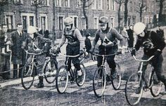 Cycle Speedway - Starting lines were often a piece of knicker elastic in the early days. In later years, some clubs invested in electric starting gates Speedway Motorcycles, Cool Motorcycles, Ww2 Bomb, Vintage Cycles, Popular Sports, Local History, Cycling, Bike, Classic