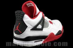 New pics of the Air Jordan 4 (Fire Red)