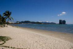 Саньявань. Один из пляжей острова Хайнань