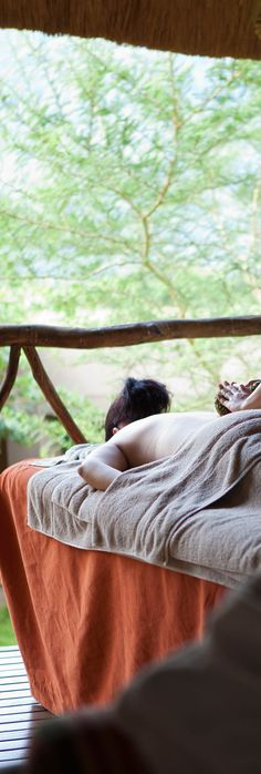 Enhance your well-being and encounter the breath-taking bio-diversity of South Africa at Karkloof Safari Spa. Spot giraffes, zebras and rhinos before renewing your body with unlimited spa treatments.