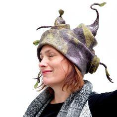 Chapeau femmefeutre de laine unique et original par ArianeMariane, €380.00