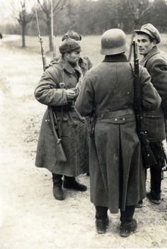Soviet Red Army and the Deutsches Heer meet up during the Invasion of Poland. Pin by Paolo Marzioli