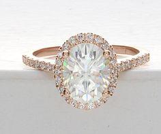 Best Diamond Engagement Rings : 2 Carat Oval Engagement Ring Rose Gold Engagement by cldiamonds. - Buy Me Diamond Oval Engagement, Rose Gold Engagement Ring, Ring Ring, Wedding Jewelry, Wedding Rings, Bridal Rings, Gold Wedding, Dream Ring, White Gold Rings