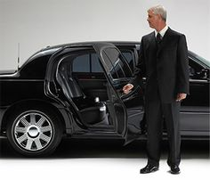 We Offers Metro Airport Limo Service    Wedding and Prom Limo Services     Corporate/Executive Limo Transportation    Detroit City Tour, Club and Party Limousines