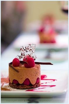 la tartine gourmande - food & drink - food - dessert - chocolate mousse, raspberry and croustillant (recipe) Fancy Desserts, Just Desserts, Delicious Desserts, Dessert Recipes, Dessert Food, Fine Dining Dessert, Yummy Food, Patisserie Fine, Dessert Presentation