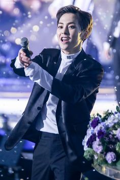 Xiumin - 161101 SBS Power FM 20th Anniversary Concert Credit: 천개의달. (SBS 파워FM 20주년 콘서트)