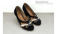 Anonymous escarpins Chima triangle noir #anonymous #pumps #suede #black #gold