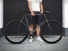 #Fixie #Transparent par des designers Allemands. C'est pas mal du tout !