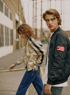 Stardust: Pull & Bear Takes the Streets of London with Fall Fashion Trends Denim Editorial, Editorial Fashion, Streetwear, Fashion Shoot, Fashion Tips, Fashion Couple, Photoshoot Inspiration, Fall Fashion Trends, Couple Shoot