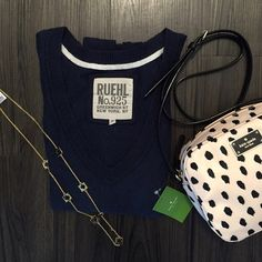 RUEHL sweater In good used condition and NO trades please. 70% cotton and 30% cashmere. Ruehl No. 925 Sweaters