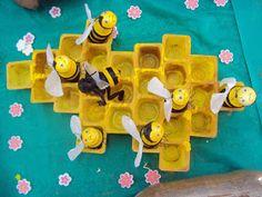 Professora Juce: Plano de Aula Bichinhos de Jardim para Educação Infantil Motor Skills Activities, Fine Motor Skills, Farm Party, Kindergarten, Crafts For Kids, Classroom, Toys, Children, Creme